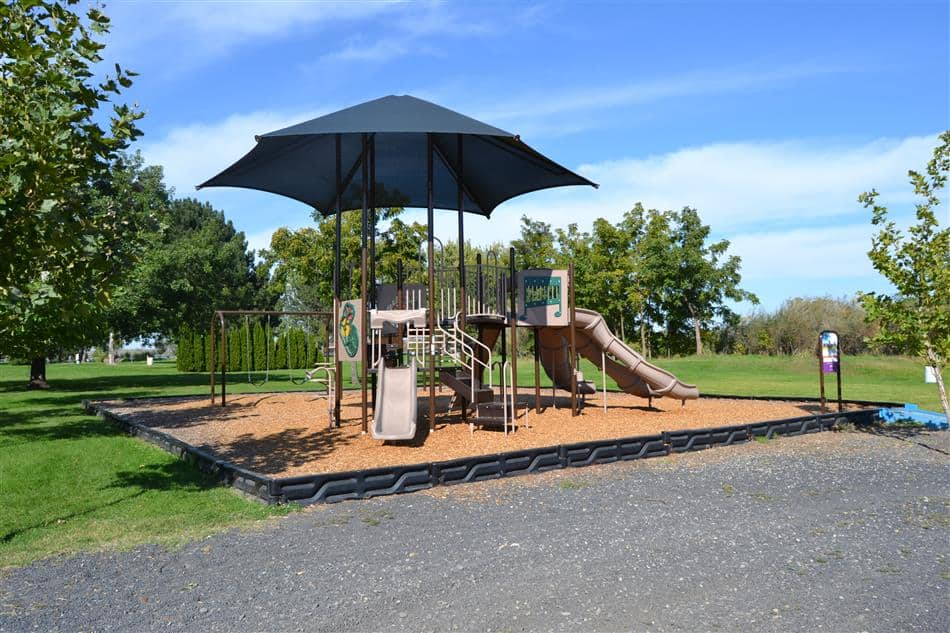 Finley WA - Two Rivers Park Playground